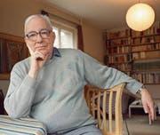 Der Schriftsteller und Pfarrer Kurt Marti 2001 in seiner Berner Wohnung. (Bild: Alessandro della Valle/Keystone)