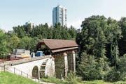 Auf der 300-jährigen Rotbachbrücke werden regelmässig Anlässe durchgeführt. (Bild: Roger Grütter (Rothenburg, 18. August 2017))