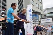 Magier Peter Marvey und OK-Präsident Damian Müller beim Start. (Bild: PD)