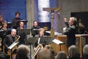 Der Luzerner Andreas Felber dirigiert die Zürcher Sing-Akademie und das Raschèr Saxophone Quartet. (Bild: Eveline Beerkircher (10. März 2018))