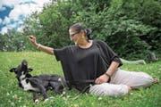 Monica Fusco aus Littau mit ihrem Hund Blacky. Sie haben die Hündin Paddy gefunden. (Bild: Pius Amrein (Littau, 7. Juli 217))