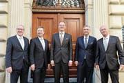 Die Regierung nach dem 2. Wahlgang bei den Wahlen 2015 (von links): Robert Küng (FDP), Marcel Schwerzmann (parteilos), Reto Wyss (CVP), Guido Graf (CVP) und Paul Winiker (SVP). (Bild: Nadia Schärli (Luzern, 10. Mai 2015))