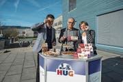 Geschäftsleiter Andreas Hug (Mitte) mit Sohn Fabian Hug und Nichte Anna Hug. (Bild: Dominik Wunderli (Malters, 24. Januar 2018))