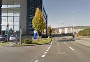 Bei dieser Kreuzung in Kriens (Gewerbegebäude Ringstrasse 27) kam es zum Unfall. (Bild: Google Maps)