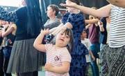 Schüler und Lehrer der Heilpädagogischen Schule Sursee proben fürs Musical. (Bild: Eveline Beerkircher (Sursee, 17. Mai 2017))