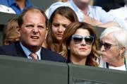 Cleverer Geschäftsmann: Tony Godsick (links) neben Mirka Federer. (Bild: Peter Klaunzer/Keystone)