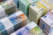 Der Kanton Obwalden muss sparen und weniger Geld ausgeben. (Symbolbild Keystone)