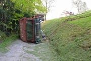 Der Bauer wurde unter dem Gefährt eingeklemmt. (Bild Luzerner Polizei)