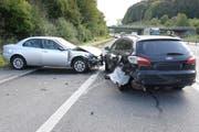 An diesem Unfall beteiligt war ebenfalls ein schwarzer VW Golf. Die Polizei sucht nach dem Auto. (Bild: Luzerner Polizei)