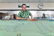 Markus Sidler arbeitet noch bis am 4. Oktober im Stellwerkraum am Perron 1 in Rotkreuz. (Bild Stefan Kaiser)