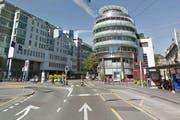 Der Unfall ereignete sich beim Löwenplatz in Luzern. (Bild: Google Maps)