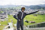 Der Horwer Gregor Deschwanden bereitet sich auf den Sprung in Einsiedeln vor. (Bild: Keystone / Alexandra Wey)