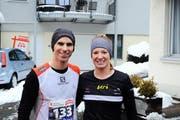 Jolanda Annen und Erwin Inglin holten sich am Silvesterlauf in Gersau die Siege in den Hauptkategorien über zehn Kilometer. (Bild: Thomas Bucheli)