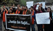 «Gerechtigkeit für Sajid»: Protestaktion im pakistanischen Lahore. (Bild: K. M. Chaudary/AP (26. Februar 2018))