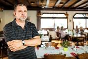 Wirt Robert Unternährer (47) im Restaurant Weinhof an der Weystrasse in Luzern. (Bild Philpp Schmidli)