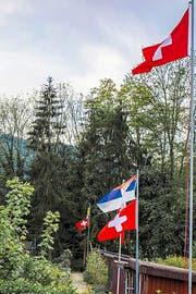 Bei den Schrebergärten wehen nun viele Schweizer Fahnen. (Bild: PD)