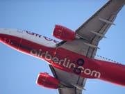 Die Fluglinie Air Berlin will ihre Flotte drastisch schrumpfen. (Archiv) (Bild: Jannis Mattar/EPA)
