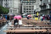 Im Regen: das diesjährige Luzerner Fest. (Bild Pius Amrein)