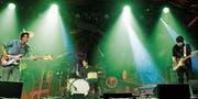 Energiegeladene Musik mit Andi Schnellmann (Bass, links), David Meier (Schlagzeug) und Manuel Troller (Gitarre), hier bei einem Auftritt am letzten Jazz Festival Willisau. (Bild: Dragan Tasic/PD)