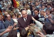 Helmut Kohl als Bundeskanzler beim Auftakt zum Wahlkampf der Landtagswahlen in Thüringen. (Bild: Holger Hollemann/Keystone (Heilbad Heiligenstadt, 5. September 1990))