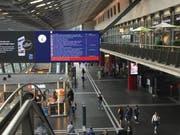 Die SBB kommunizieren die Störung am Bahnhof Luzern. (Bild: nop)