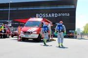 In der Bossard Arena ist am Freitagmittag Ammoniak ausgetreten. (Bild: Zuger Polizei)