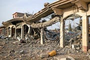 Zerstörte Gebäude in Baschika. (Bild: Philipp Schmidli Fotografie)