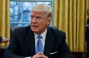 Soll laut einer Petition in der Schweiz ein Einreiseverbot erhalten: US-Präsident Donald Trump. (Bild: AP/Evan Vucci)
