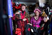 Ruth Hürlimann hat den letzten Kostümverleih im Kanton Zug. Ihr Mann Thomas Hürlimann unterstützt sie in den strengen Zeiten. (Bild: Maria Schmid (Zuger Zeitung))