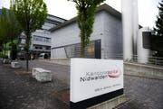 ...das Nidwaldner Kantonsspital in Stans wollen fusionieren. (Bild: Corinne Glanzmann)