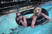Das öffentliche Interesse am Altdorfer Schwimmbad ist gross. Deshalb soll die Finanzierung gesetzlich geregelt werden. (Bild: Archiv / Neue LZ)