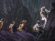 """Die singenden Bergsteiger am Matterhorn - Szene aus dem Musical """"Matterhorn"""" von Michael Kunze und Albert Hammond, das am Theater St. Gallen uraufgeführt wurde. (Bild: Theater St. Gallen)"""