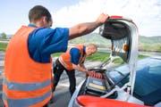 Bei der Kantonspolizei gingen wegen der Falschfahrerin zahlreiche Meldungen ein. Mehrere Patrouillen der Aargauer Kantonspolizei, der Regionalpolizei Zofingen und der Luzerner Polizei rückten sofort aus, um die Gefahr zu bannen (Symbolbild). (Bild: Keystone)