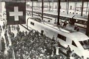 Grosses Fest am 27. Mai 1995 am Bahnhof Luzern. Die Bevölkerung feierte die fahrplanmässige Ankunft des ICE «Vierwaldstättersee» aus Hamburg. (Archivbild Neue LZ)