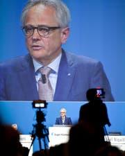 Pascal Niquille, CEO der Zuger KB, in der Zuger Bossard-Arena an der Generalversammlung seiner Bank vom Samstag. (Bild: Patrick Hürlimann / Neue ZZ)