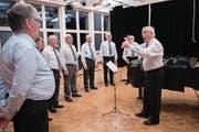 Der Chor Viril Romontsch Lucerna bei den Proben im Schulhaus Hubelmatt. (Bild: Boris Bürgisser (Luzern, 13. März 2018))