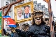 Die Wey-Zunft Luzern mit dem Motto «Wird die Welt von Affen regiert?» am grossen Fritschi-Umzug am Schmutzigen Donnerstag. (Bild: Luzerner Zeitung (8. Februar 2018))