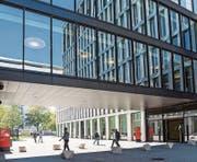 Der Campus von Johnson & Johnson an der Gubelstrasse in Zug. (Bild: Patrick Hürlimann (Zug, 21. September 2017))