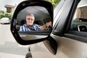 Von der Hausärztin attestiert: Kurt Lötscher (80) aus Obernau ist noch fit genug fürs Autofahren. (Bild Corinne Glanzmann)