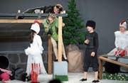 Die Kinder des Jugendtheaters sorgen als Tiere verkleidet für Begeisterung im Publikum. (Bild: Maria Schmid (Zug, 29. April 2017))