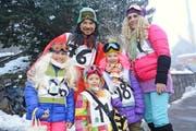 Von der Ski-WM direkt an die Fasnacht? Eine schnelle Gruppe im Schnee. (Bild: Richard Greuter)