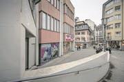 Diese Tiefgaragen-Einfahrt am Museggrain soll als Ausgang des Parkhauses Musegg genutzt werden. (Bild: Pius Amrein (Luzern, 9. Februar 2017))
