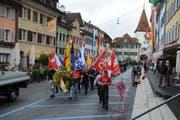 Marsch durch das Sempacher Städtchen. (Archivbild Boris Bürgisser/Neue LZ)