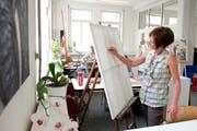 Die Kunstwerkstatt bietet die Möglichkeit, Menschen mit einer psychischen, geistigen und körperlichen Einschränkung, künstlerisch tätig zu sein. (Archivbild) (Bild: Maria Schmid / Neue ZZ)