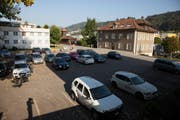 Parkplätze auf dem Pfarreiheimplatz in Ebikon. (Bild: pd)