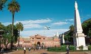 Ein Ziel von Leuthards Reise: der Präsidentenpalast Casa Rosada.Bild: Getty (Buenos Aires, 14. November 2015)