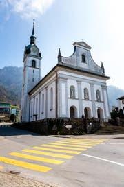 Die Pfarrkirche St. Hieronymus in Vitznau wird ab 1. Mai aussen saniert und innen gereinigt. (Bild: Roger Grütter (25. März 2017))