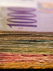 Die Luzerner Gemeinden haben 2014 insgesamt 55 Millionen Franken mehr Steuern eingenommen als im Vorjahr. (Bild: Keystone/ Gaetan Bally)
