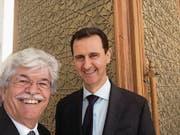 Razzis Selfie mit dem syrischen Diktator Assad. (Bild: Antonio Razzi (Damaskus, 20. März 2017))