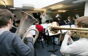 Die Jazzabteilung der Musikhochschule Luzern probt im Keller der «Jazzkantine» – einem der in der Stadt verteilten Räume der Schule. (Archivbild Remo Nägeli/Neue LZ)